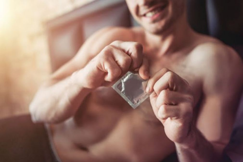 Tips to remove condom carefully after sex