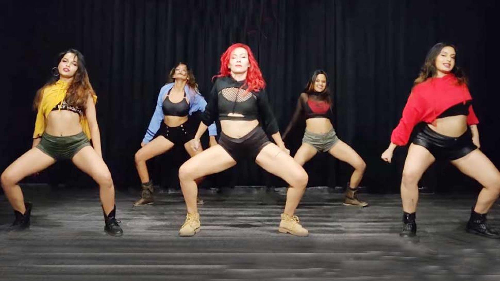 VIDEO : इन 5 लड़कियों ने सोशल मीडिया पर लगाई आग, 'गली गली' गाने से जीते लाखों दिल