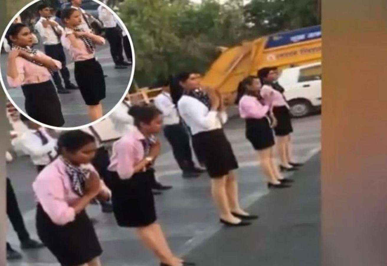 ट्रैफिक पुलिस की जगह सड़कों पर उतरी एयर होस्टेस, डांस कर पढ़ाया यातायात का पाठ