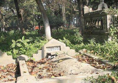इस लड़की के कब्र से आती है खुशबू, खोद कर देखा गया तो उड़ गए होश