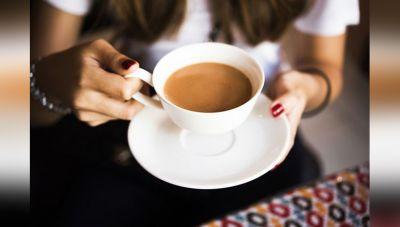 अगर आप भी पीते है एक दिन में तीन कप से ज्यादा चाय तो..