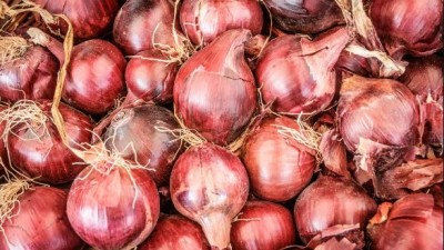 Many people got ill after eating infected onions