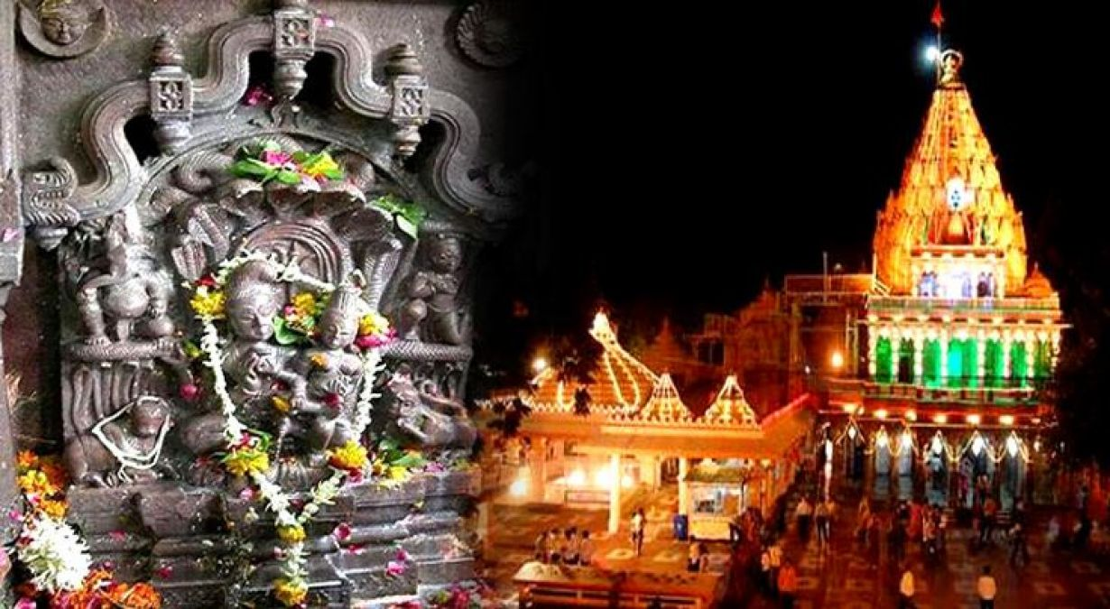 This Temple in Ujjain only opens on the occasion of Nag Panchami.