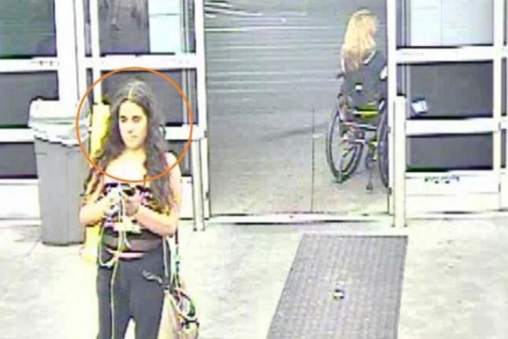 Woman Leaves Supermarket After Urinating On Potatoes, Caught on CCTV
