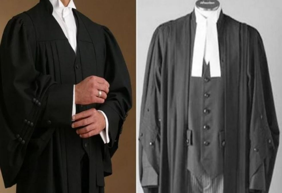 Here's Why Lawyers Wear Black & White Dress