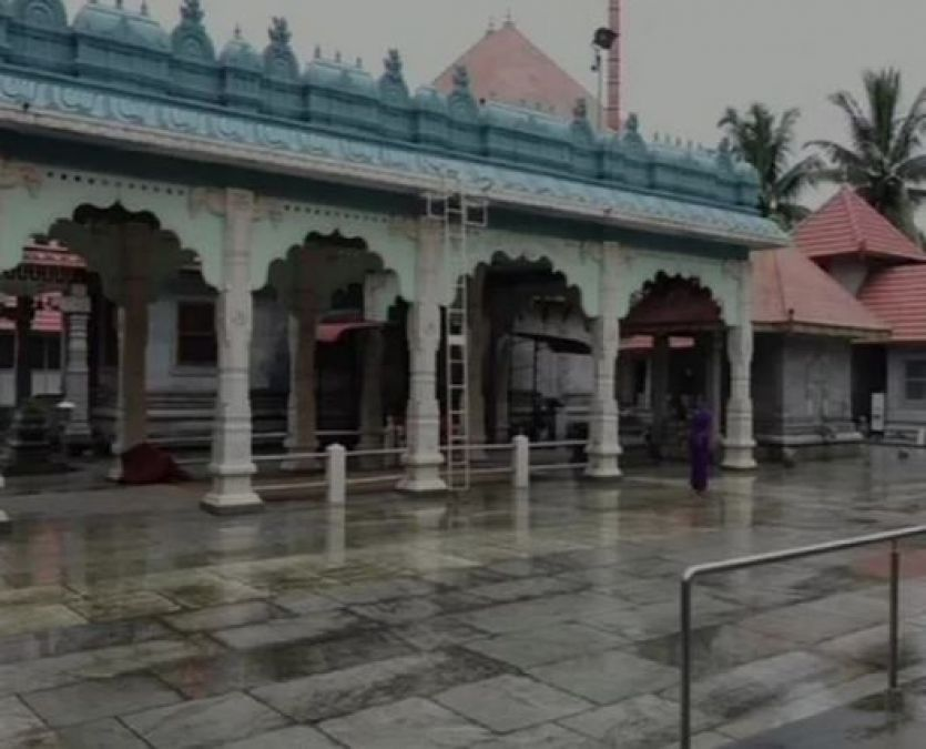 Gandhiji is worshipped three times a day, Temple is in this city of India
