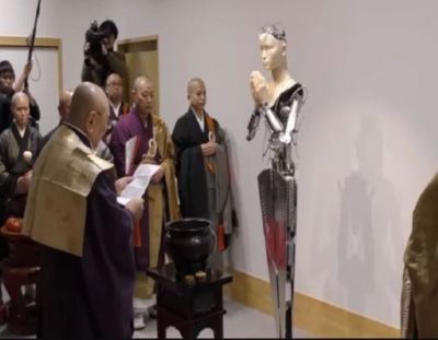 Buddhist temple in Japan puts faith in robot priest