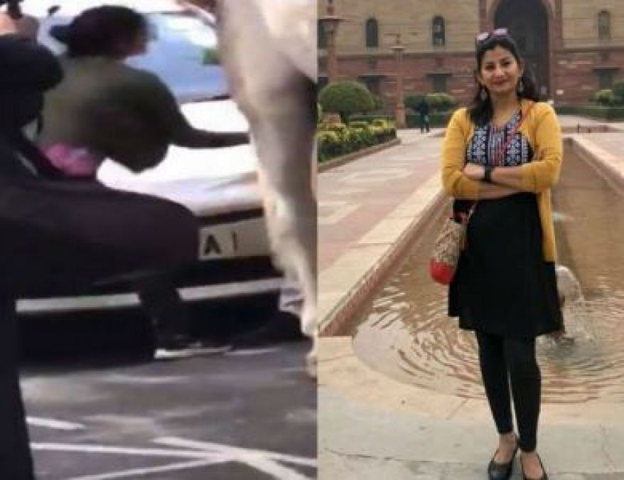 People Were Insulting Tricolour in abroad, Indian Female Journalist taught lesson