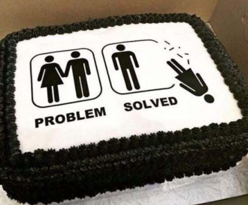 Divorce के लिए आने लगे हैं ऐसे बेहतरीन केक...