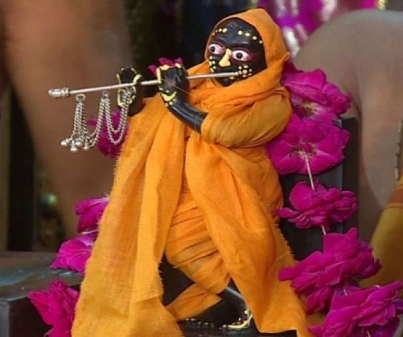 Here, the birth of Lord Krishna takes place at 12 o'clock in the day, not at night
