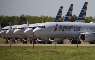 The flight attendant took the woman off the plane because of her short dress, read incident!