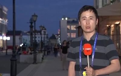 Video : एंकरिंग करते न्यूज़ रिपोर्टर के साथ महिलाओं ने की हरकत