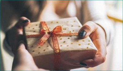 Boyfriend gets furious over girlfriend for gifting expensive gifts, man says 'you do purposely'