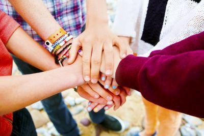 Friendship Day : समय के साथ-साथ कितना बदल गया फ्रेंडशिप डे मनाने का तरीका