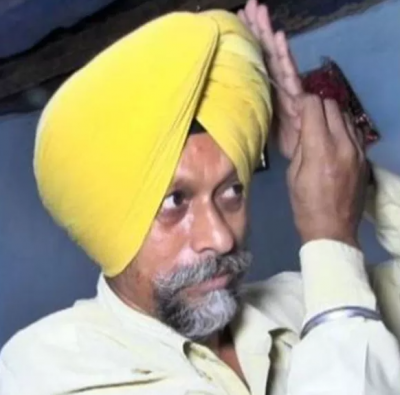 Sardara Amarjeet Singh made masks for the poor by cutting his turban