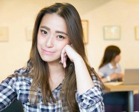 इस यूनिवर्सिटी ने भर्ती के लिए दिया लड़कियों संग रहने का ऑफर, मचा खूब हंगामा
