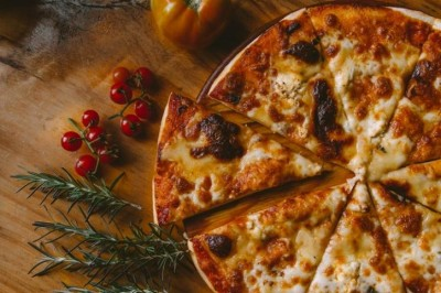 Man gets pizza delivered every day for 9 years without ordering
