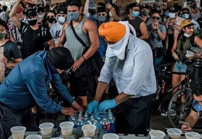 Sikhs in America feeding people during Corona crisis