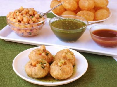 Charges for 4 Golgappe will blow up your senses, will think a hundred times before eating