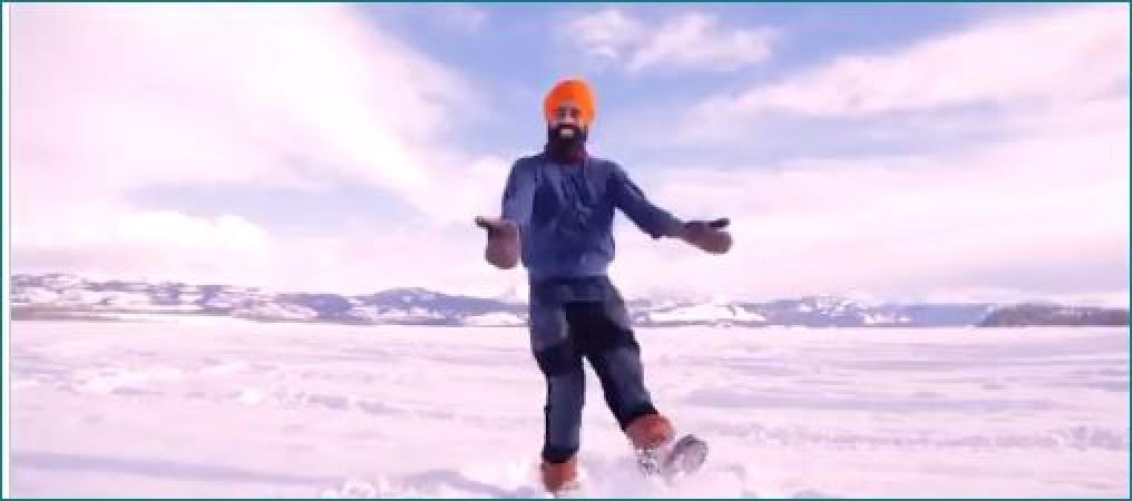 कोरोना वैक्सीन लगवाने के बाद सरदार जी ने बर्फ से जमी झील पर किया जोरदार भांगड़ा