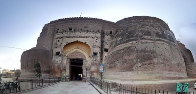 This is the oldest fort in India, built in 14 acres of land