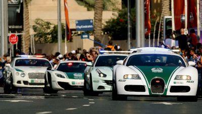 दुबई में पुलिस वाले इस्तेमाल करेंगे दुनिया की टॉप स्पीड वाली कार Bugatti Veyron