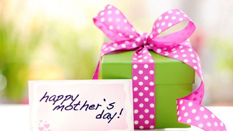 Mother's Day 2018 : ये गिफ्ट्स देकर आप अपनी माँ को कर सकते हैं खुश