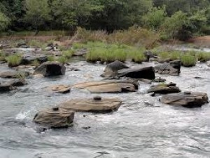 Thousands of Shivling are seen in this river of India