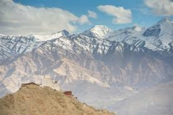 Know why planes don't fly over Tibet
