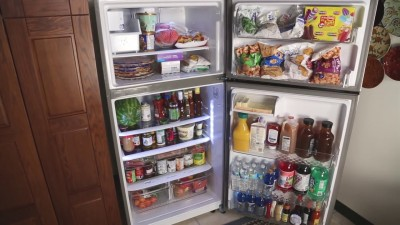 This kind of fridge was used in old days