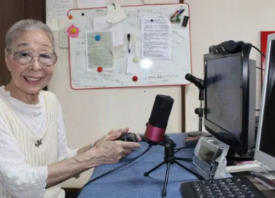 This 90-year-old grandmother is the oldest video gamer