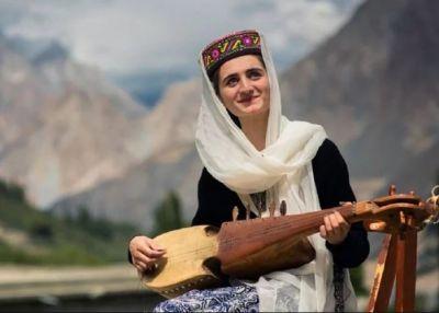 पाकिस्तान में मौजूद है एक ऐसी जगह, जहां 80 साल की महिला भी लगती है खूबसूरत और जवान