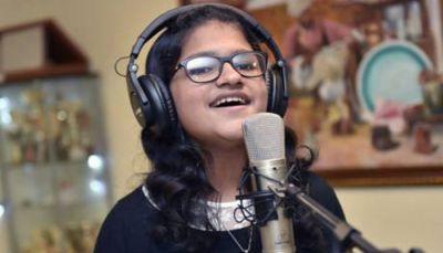 85 भाषाओं में गाना गाकर बनाएगी नया रिकॉर्ड