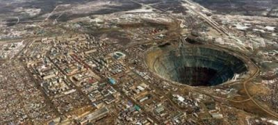 World's largest diamond mine, 10 million diamonds come out every day