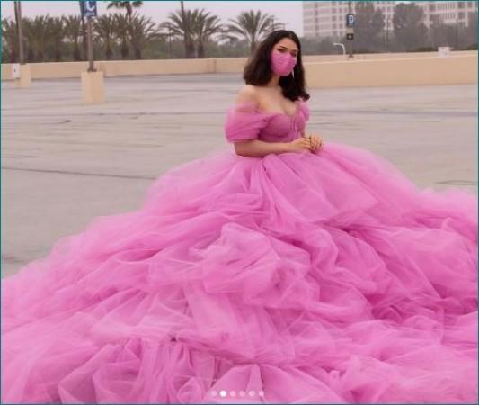 ये है सोशल डिस्टेंसिंग वाली डिजाइनर ड्रेस, खासियत कर देगी हैरान