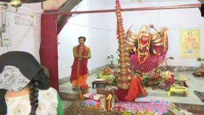 मां दुर्गा को प्रसन्न करने के लिए यह भक्त करता है इतना कठिन तप जानकर होश उड़ जाएंगे