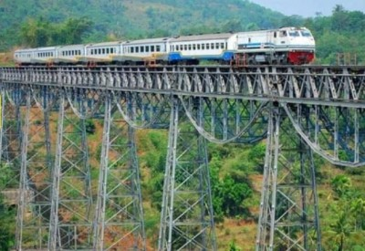This rail route is very dangerous in the whole world