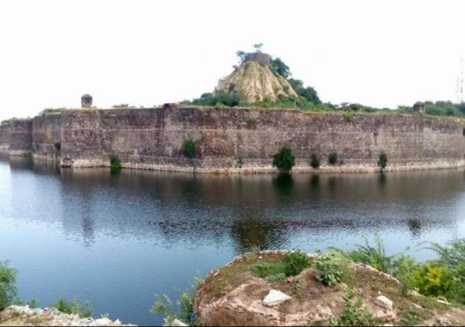 Conquering this fort was nothing less than chewing iron, Know the secret of this 285 years old fort