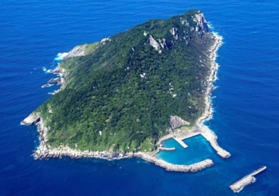 Women cannot step on this island, there are strict rules even for men