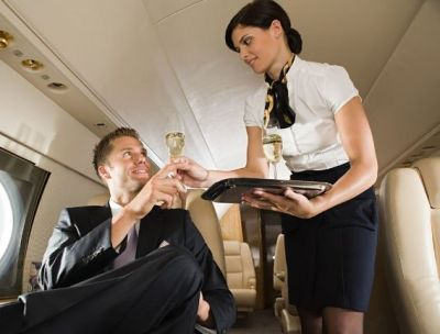 Airhostess does special makeup for VIP people, Know these things