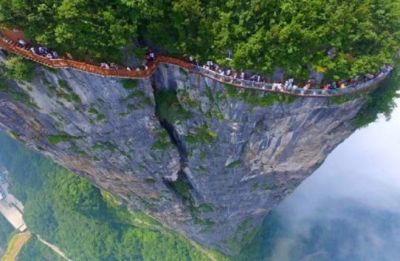 This is the world's most dangerous bridge, whose pictures will only create fear in you