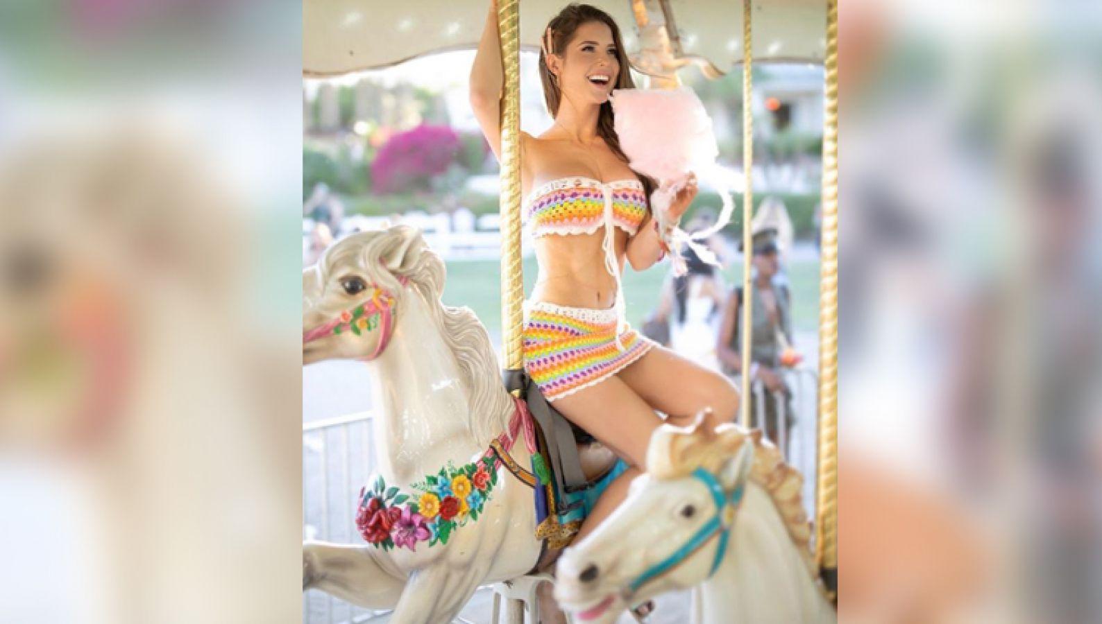 घोड़े पर बैठी नजर आई यह सेक्सी मॉडल, झूम उठे फैंस