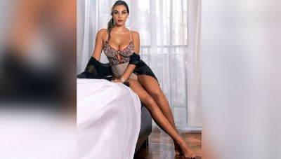 Aida Martinez wreaks havoc, shares several sexy photos