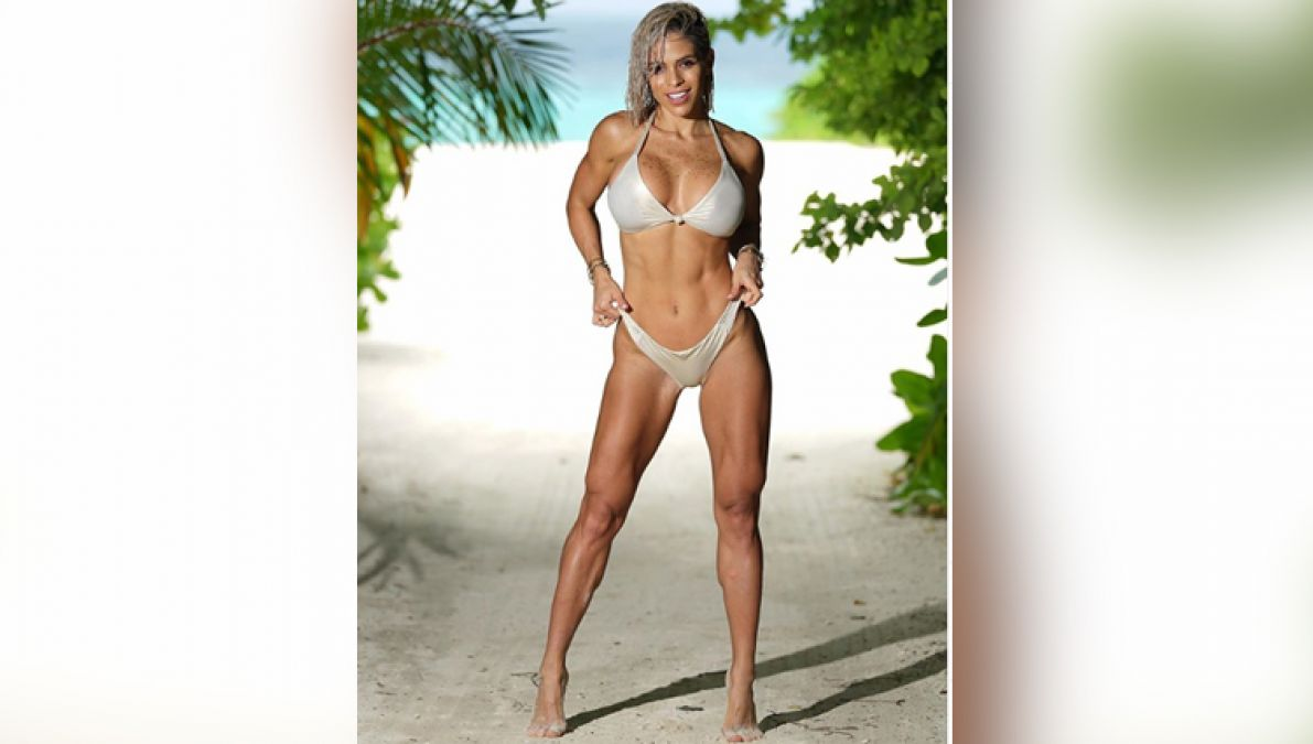 Michelle Lewin wreaks havoc, shares several sexy photos