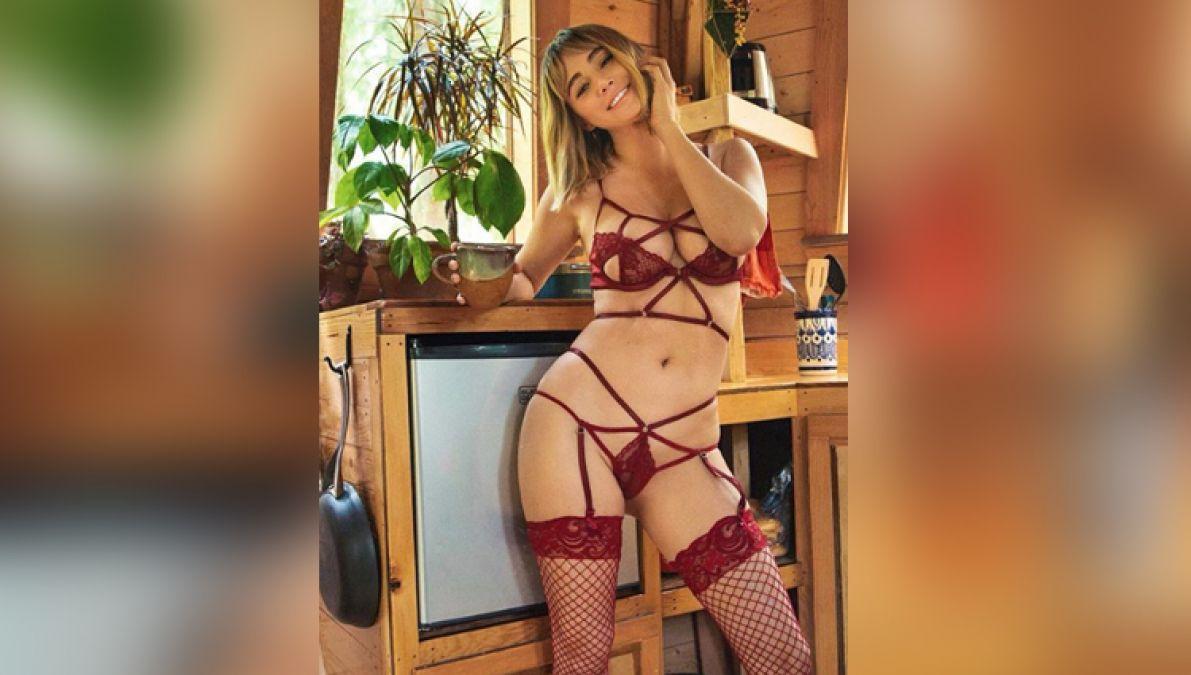 इस हसीना ने प्राइवेट पार्ट दिखाने में नहीं की शर्म, वायरल हो रही सेक्सी तस्वीरें