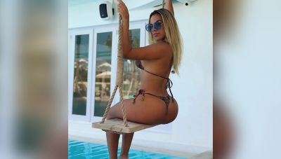 This model, seen swinging the hammock with this beautiful bikini, flew over the internet conscious