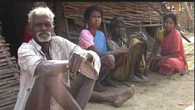 इस गांव का पानी पीने से बूढ़े हो रहे हैं लोग, वजह हैरान कर देगी