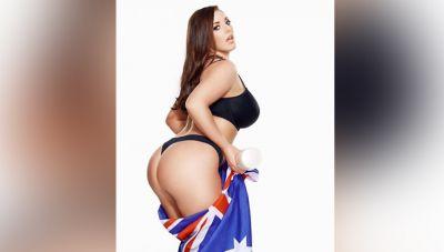 Angela showed her sexy butt, injured her fans!
