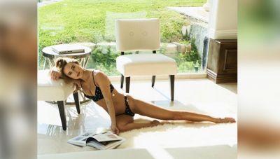 Kimberley Garner flaunts sexy curves in latest photoshoot