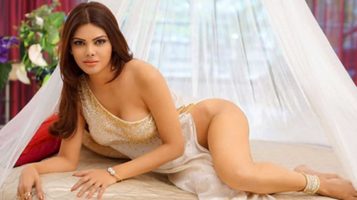 VIDEO: Sherlyn Chopra got sensual in bed, did not hide her  private parts even in white bikini